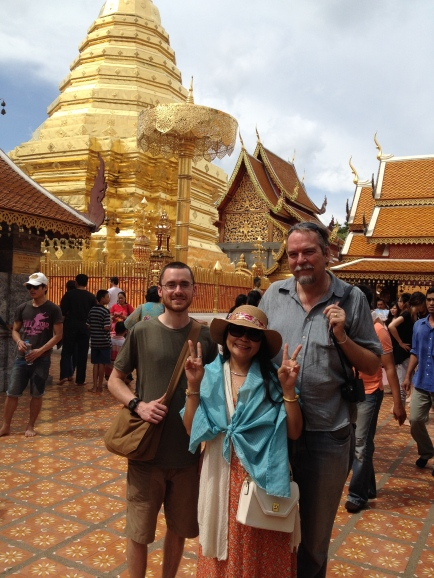From l to r: Jason Petersen, post-production/editorial assistant, Joo Muller, Georg Peter Muller, in front of Wat Doi Suteph in Chiang Mai