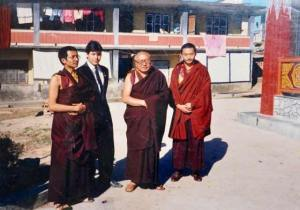 Kyabje Dabsang Rinpoche (second from right).